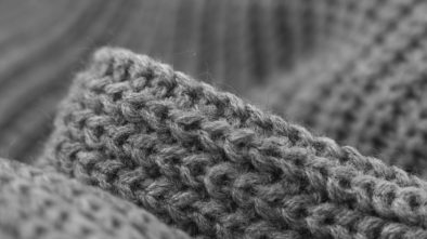 Jak nosit pletené šaty