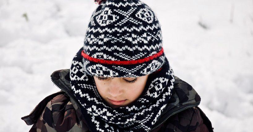 Zimní trendy pro oživení všedních outfitů